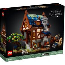 LEGO® Ideas viduramžių kalvis 21325