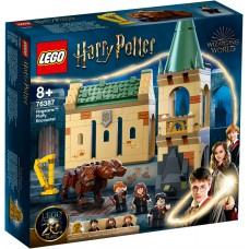 LEGO® Harry Potter™ Hogvartsas™: susidūrimas su Pūkeliu 76387