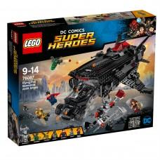 LEGO® DC Comics Super Heroes | Skraidanti lapė: Betmeno automobilio transporterio puolimas | 76087